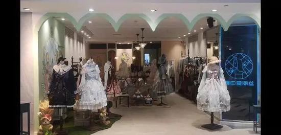 记者走访南京LO裙实体店