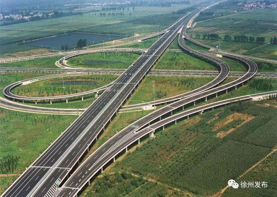 对徐州国际陆港建设,省级层面曾不止一次强调支持。