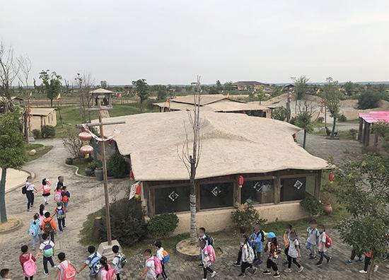 拆除之前的大江风云景区,拍摄于9月28日。 澎湃新闻记者袁杰图
