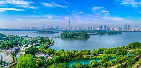 山水城林的南京。南京日报记者 董家训 摄