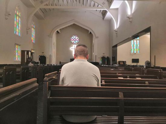 每个星期天早上,念斌都在教堂祈祷。除特殊标注外,本文图片均为澎湃新闻记者 明鹊 图