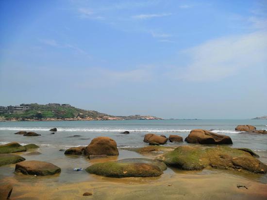 平潭县澳前村,念斌家离海边不到500米,出事前,他经常来海边玩。
