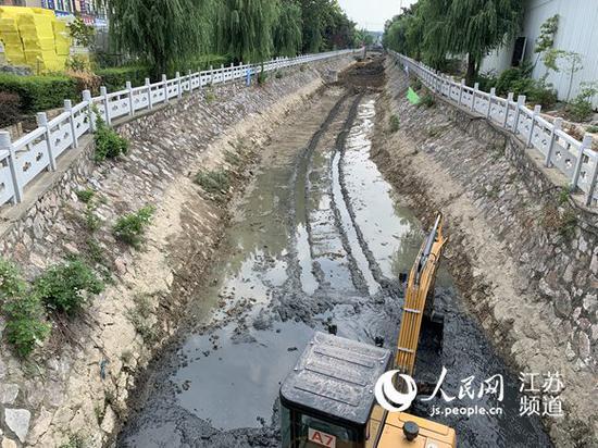 镇江句容市长被约谈之后:5条黑臭河可望年内整治到位