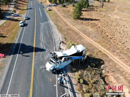 当地时间2019年9月20日,一辆载有中国游客的大巴车在美国犹他州发生严重车祸,造成至少4人死亡,多人重伤。