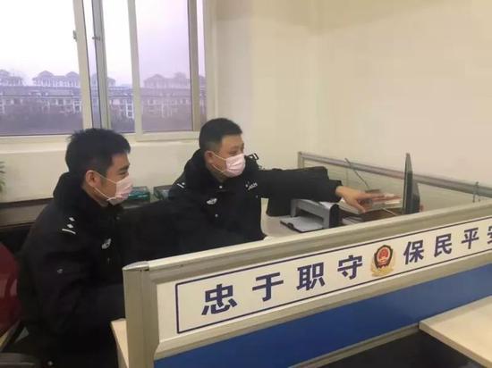 """刘德华分饰多角 """"人潮""""中过足戏瘾"""