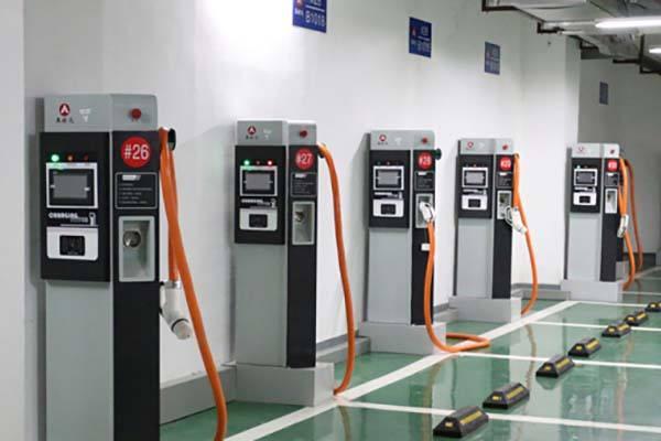 新建小区车位配建充电设施 江苏电力条例草案提请审议