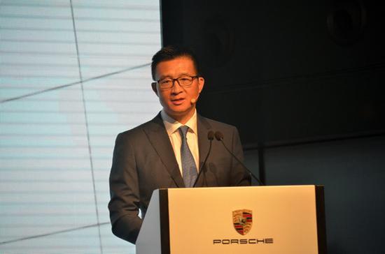 保时捷中国销售副总裁萧达先生致辞