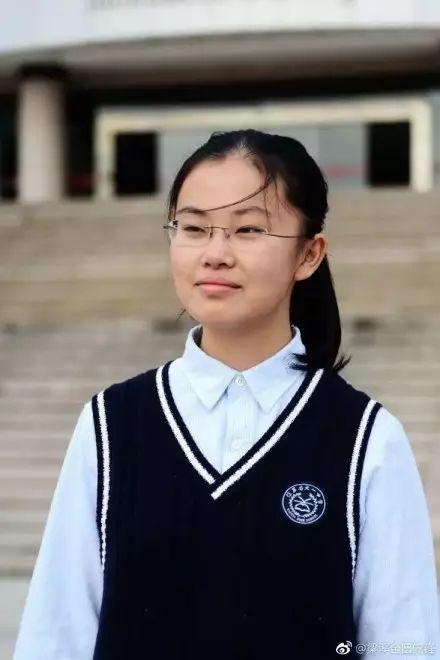 无锡天一中学张洗月同学以总分435分的高分荣获无锡理科头名,江苏省理科第2名,