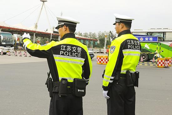 江苏交警新执勤服