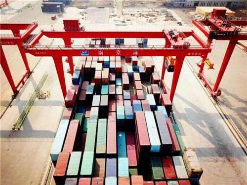 繁忙的南京港