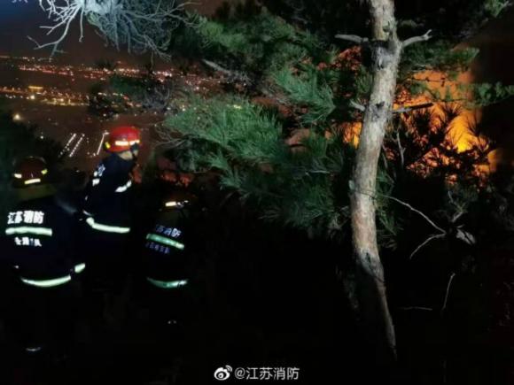 @江苏消防发布的扑救现场图片
