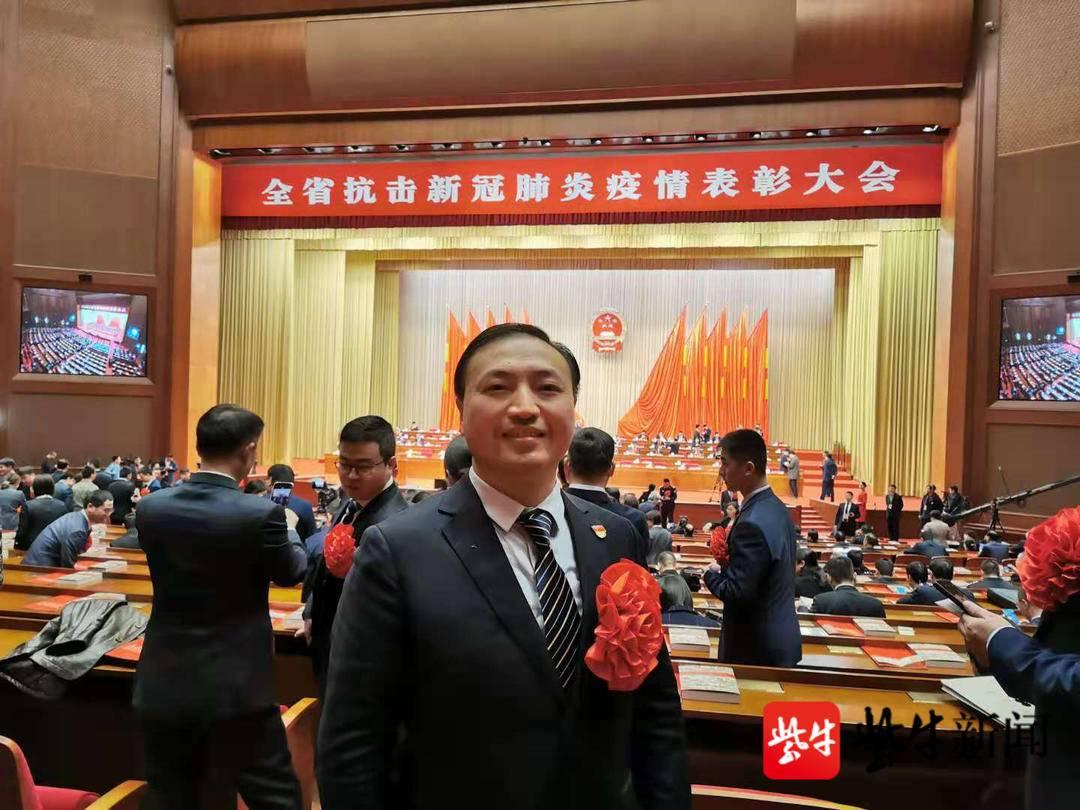 唐胜文许他:基层医护工作者为全县人民健康保驾护航