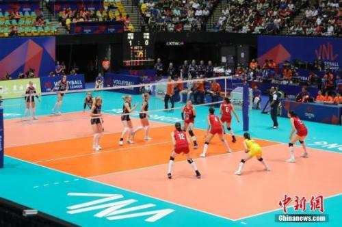 资料图:中国女排在比赛中。中新社记者 谢光磊 摄