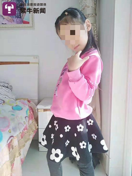 患病前的柔柔是个非常漂亮活泼的小姑娘