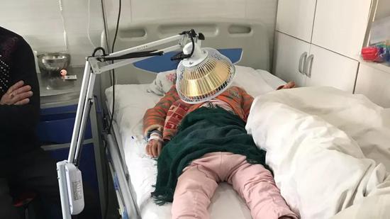 1月16日,赵丹(化名)在和盛医院。新京报记者王福艳 摄