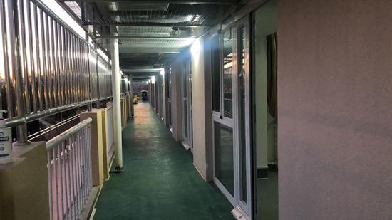 对话小汤山医院在院患者:国内治疗很安心,生活比较规律
