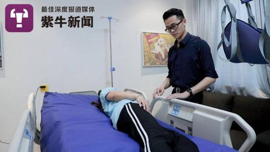 《【摩登2平台app登录】亲恩难报!苏州小伙研制出智能护理床 卧床多年的奶奶却走了》