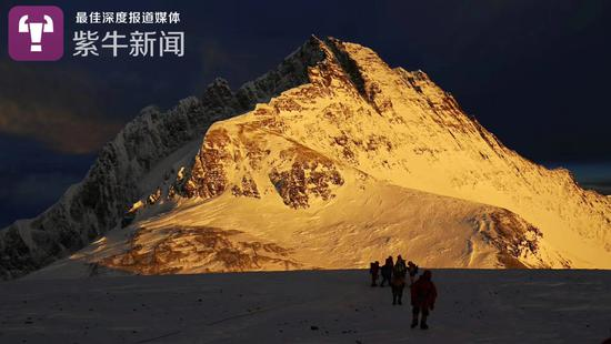 登珠峰途中看到的景色