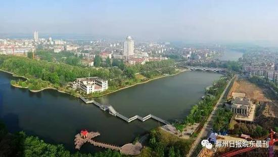 """滁州凭借与南京同城化的区位优势,在""""冲刺总量全省第三""""。"""