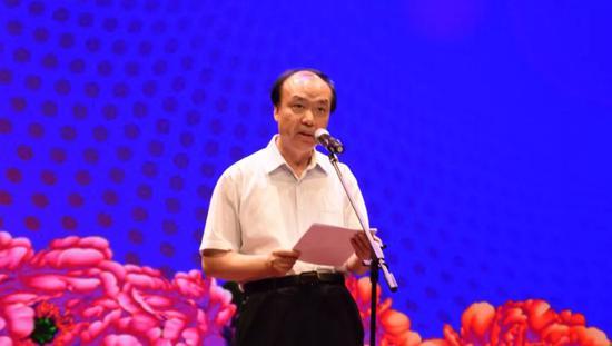 江苏省欧美同学会举行文艺汇演 献礼新中国七十华诞