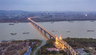 即将开放的南京长江大桥。交通部门供图