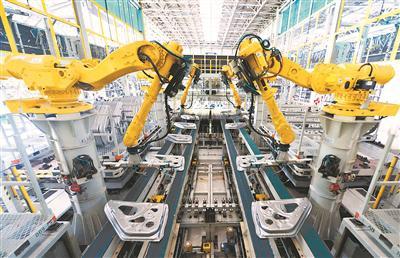东风悦达起亚三工厂冲压车间。
