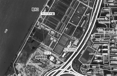 卫星地图显示涵碧楼酒店距离取水口仅340米。