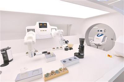 苏州吴江博众精工科技公司,手机与机器人智能联动。