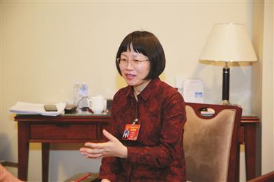 全国人大代表吉桂凤