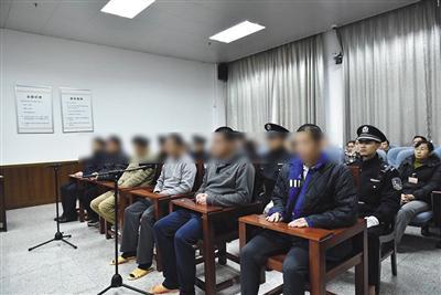 """备受关注的南宁""""雇凶杀人转包案""""日前重审宣判,6名涉案人被判无罪。受访者供图"""
