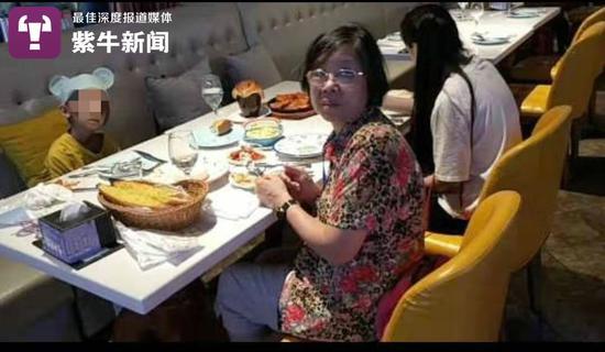 许奶奶带柔柔吃饭