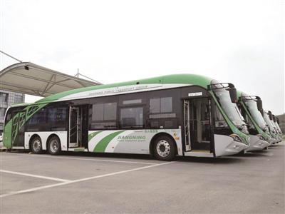 三门公交专线车长超过13米。