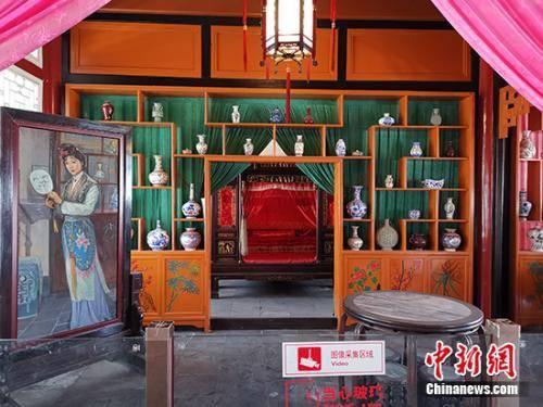 移除塑像后的怡红院。中新网记者 宋宇晟 摄