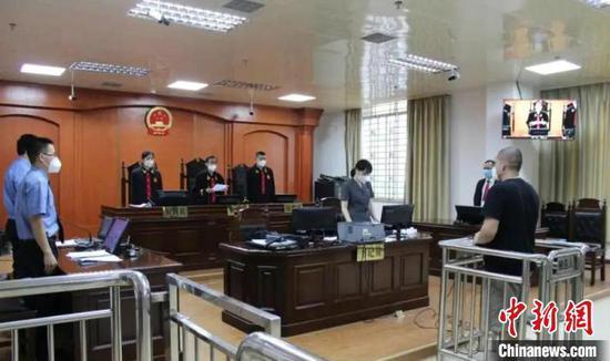 广西男子拒不执行隔离规定致9人感染 获刑1年2个月