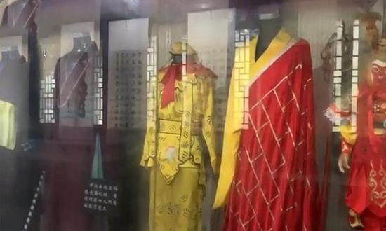 但这座故居的正主——吴承恩的事迹及史料的陈列,却是相当少。