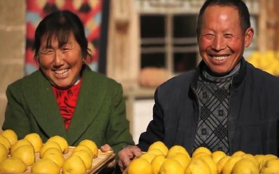 《舌尖上的中国》对美食及背后文化的呈现是全景式的。