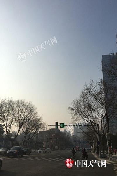 今天,南京天气晴朗。
