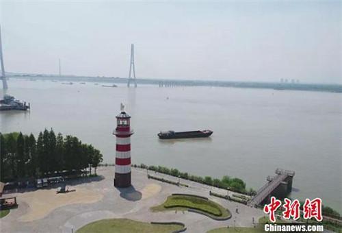 新建的秦淮新河航标,也是南京水运文化展示中心。(江苏省财政厅供图)