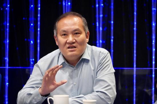 江苏省影协常务副主席、国家一级导演郭晓伟