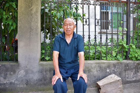 新庄村村民冯光喜。