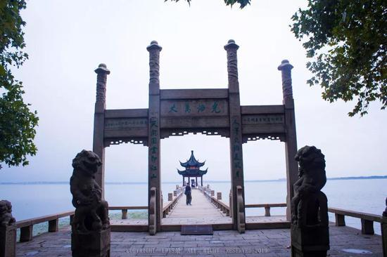 嵌入太湖之中的御码头
