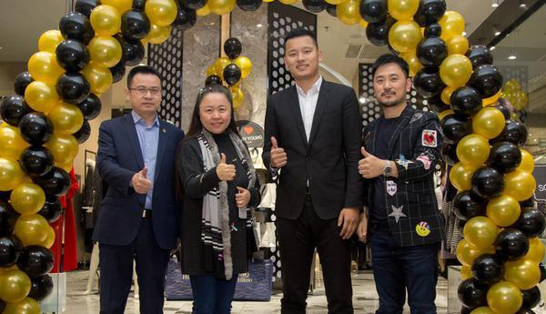 众多大咖齐聚香港设计师品牌SONNY YOUNG南京开幕