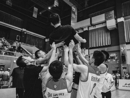 全國學生運動會上 江蘇男女籃雙雙奪冠