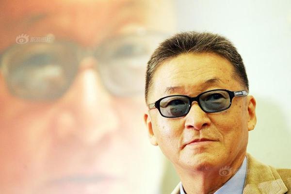 台湾作家李敖因罹患脑瘤离世 旧照回顾其一生