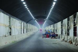 原定于今年底通车的纬三路过江隧道,可能要延后快报资料图片顾炜摄