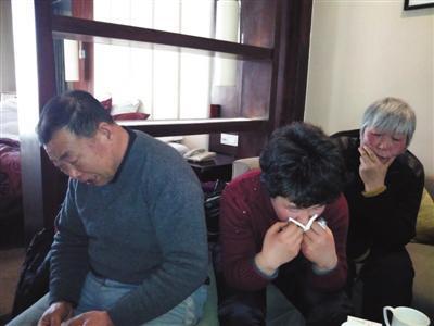 """20年来,""""刁爱青""""这个字眼一直是这家人的敏感词汇,它就好比一个永远不会愈合的伤口,只要一碰就会痛。本版摄影/新京报记者谷岳飞"""