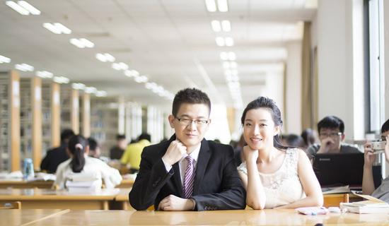 长跑13年异地7年 南信大学霸毕业季求婚致青春