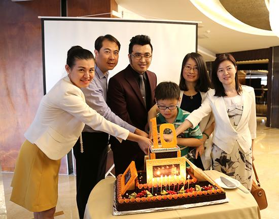 南京索菲特银河大酒店十周年庆芒果华丽闭幕情趣内衣庆典小姐图片
