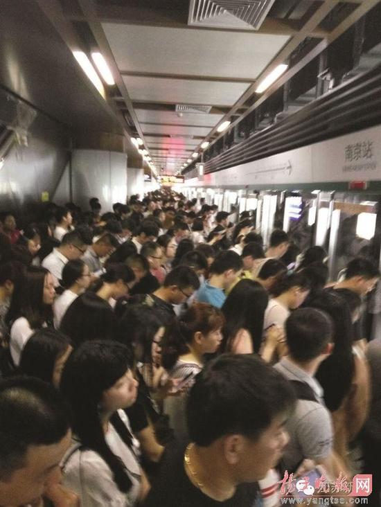 昨天的南京地铁一号线