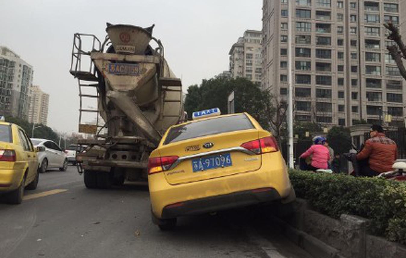 """南京开启""""节堵""""模式"""